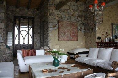 4252-Stone-House-with-Panoramic-Views-506