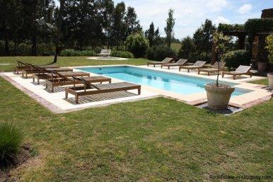 4303-Cozy-Spectacular-Modern-Inn-in-El-Chorro-by-Punta-Piedras-800