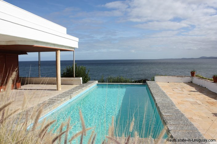 4518-Well-Built-Seafront-House-in-Punta-Ballena-846