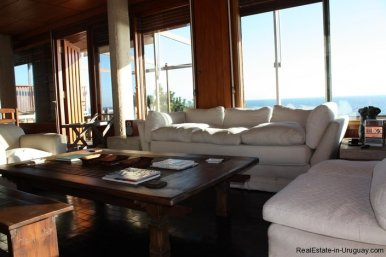 4518-Well-Built-Seafront-House-in-Punta-Ballena-851