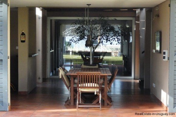 4604-Modern-Attractive-House-in-Montoya-576