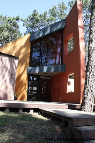 563-61-Modern-House-in-Exclusive-Private-Montoya-Area