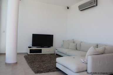 636-70-Modern-Penthouse-Apartment-with-Resort-Amenities