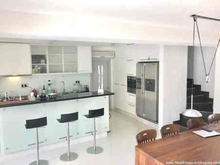 Astraia Kitchen