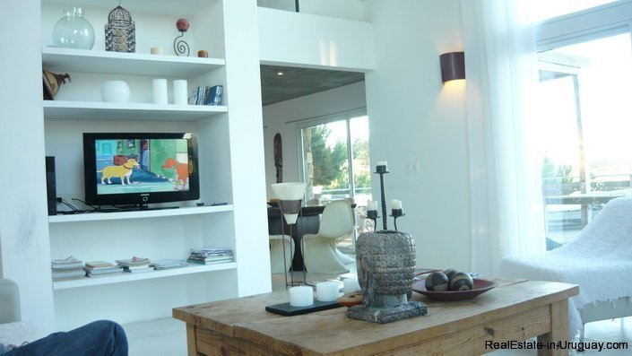 4172-Modern-Rental-Home-with-Great-Views-by-Jose-Ignacio-1224