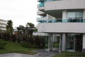 4384-Modern-Apartment-only-a-Block-from-the-Sea-1320