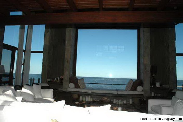 4609-A-ModernRustic-Seafront-Mansion-designed-by-Architect-Ravazzani-in-Punta-Piedras-903