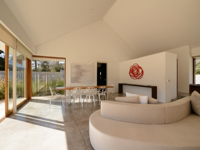 4716 Living and Dining Area