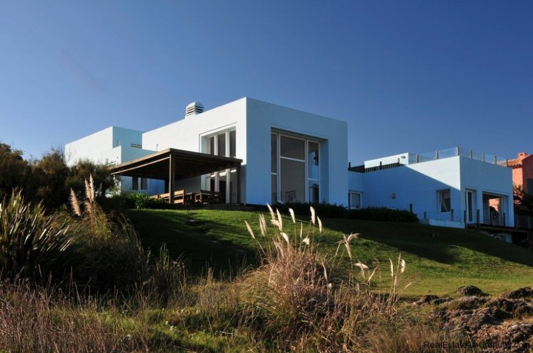 4864-modern-seafront-3-story-home-in-punta-piedras-1003