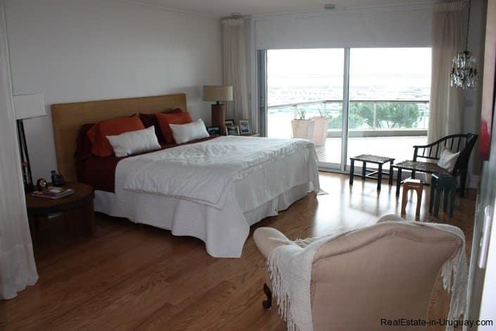 4295-Elegant-Apartment-with-Harbor-Views-on-Peninsula-1690