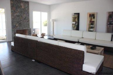 4381-Newer-Cozy-Home-in-El-Quijote-1434