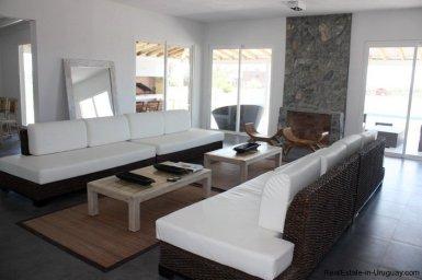 4381-Newer-Cozy-Home-in-El-Quijote-1435
