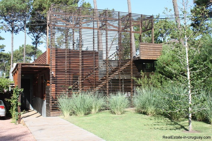 4453-Modern-Home-2-Blocks-from-Ocean-in-Montoya-1339