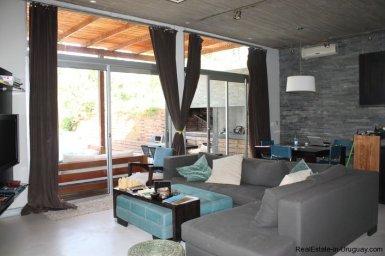 4453-Modern-Home-2-Blocks-from-Ocean-in-Montoya-1342