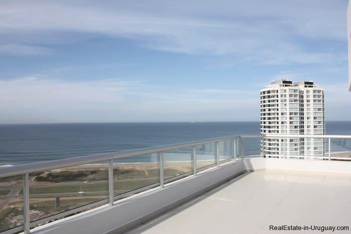 4543-Modern-Penthouse-with-360-Degree-Views-on-Playa-Brava-1972