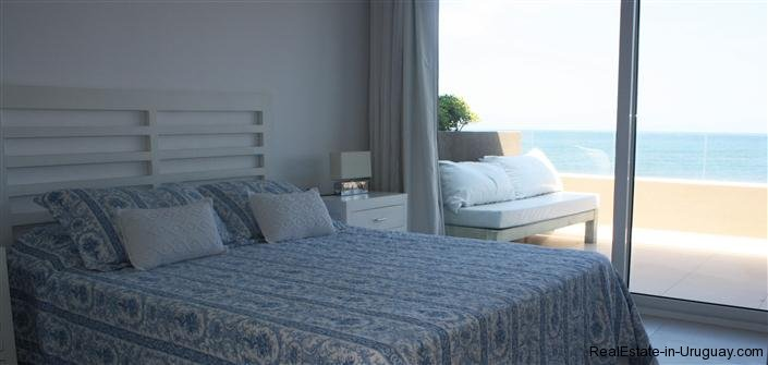 4728-Spacious-Apartment-in-Peaceful-Surroundings-Steps-from-the-Beach-1516