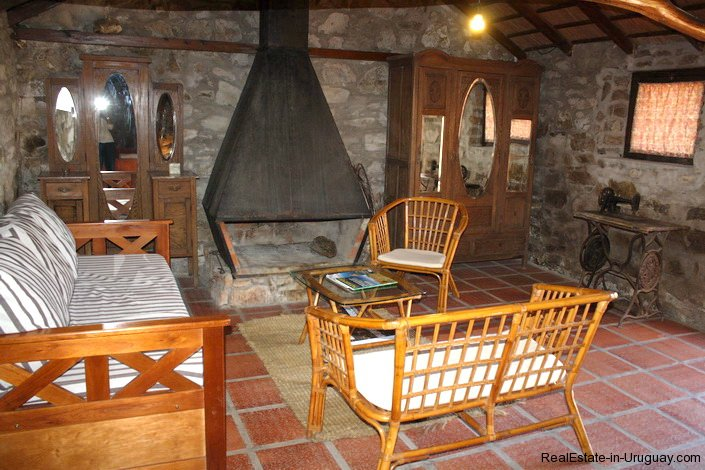 5143-Rustic-Inn-with-unbeatable-Land-around-it-2654