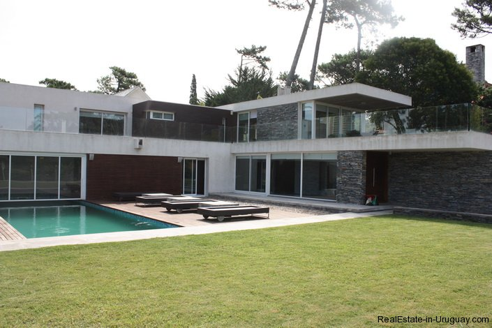 4799-Modern-Designer-Home-just-Steps-from-Mansa-Beach-3080