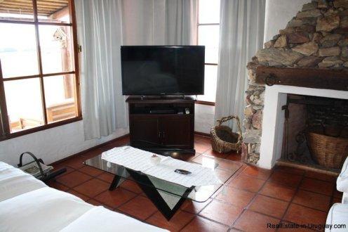 5094-Modern-Home-in-El-Quijotes-Natural-Surroundings-2900