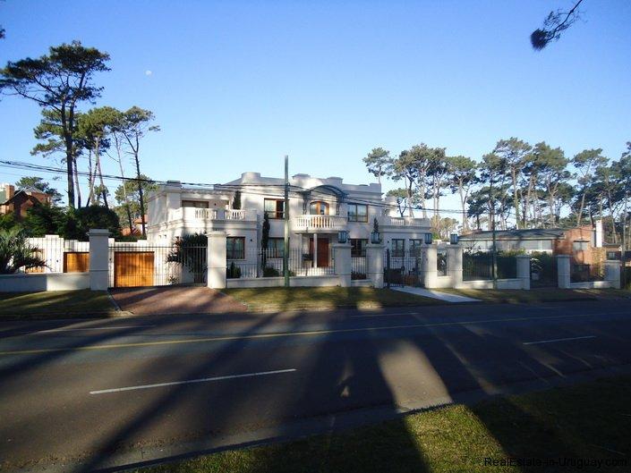5138-Large-Home-close-to-Mansa-Beach-3177