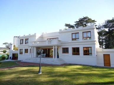 5138-Large-Home-close-to-Mansa-Beach-3178