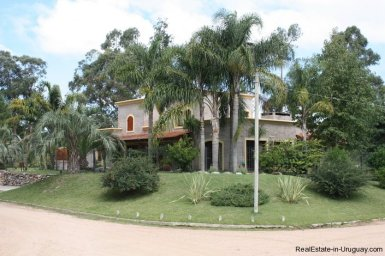 5169-Mediterranean-Style-Home-in-Residential-Location-with-Gardens-2805