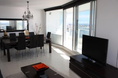 5205-Modern-Top-Floor-Apartment-with-Spectacular-Views-on-Mansa-3481