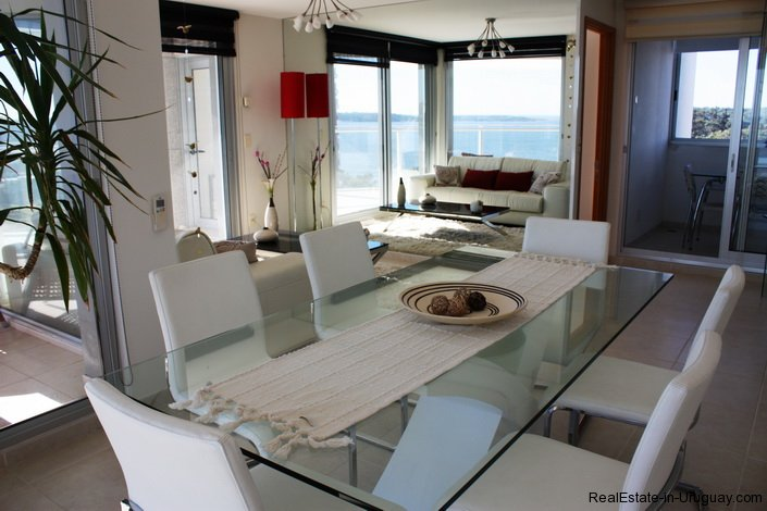 5207-Bright-and-Modern-Home-close-to-the-Ocean-3516