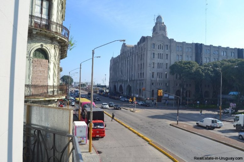 1257-Commercial-Building-by-Port-of-Montevideo-3882