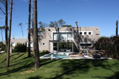 5212-Modern-2-Story-Home-in-Laguna-Blanca-Country-Club-3410