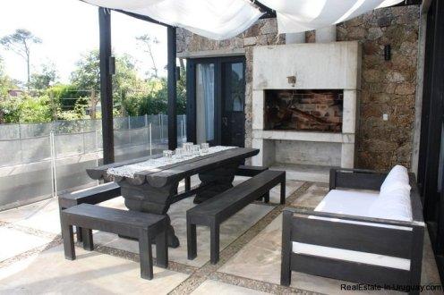 5242-Spectacular-Designer-Home-3764