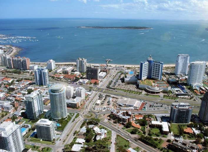 5268-Art-Tower-by-Architect-Carlos-Ott-in-Punta-del-Este-4033