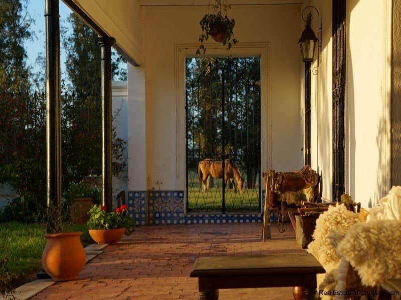 Courtyard-of-Historical-Estancia-near-Casupa
