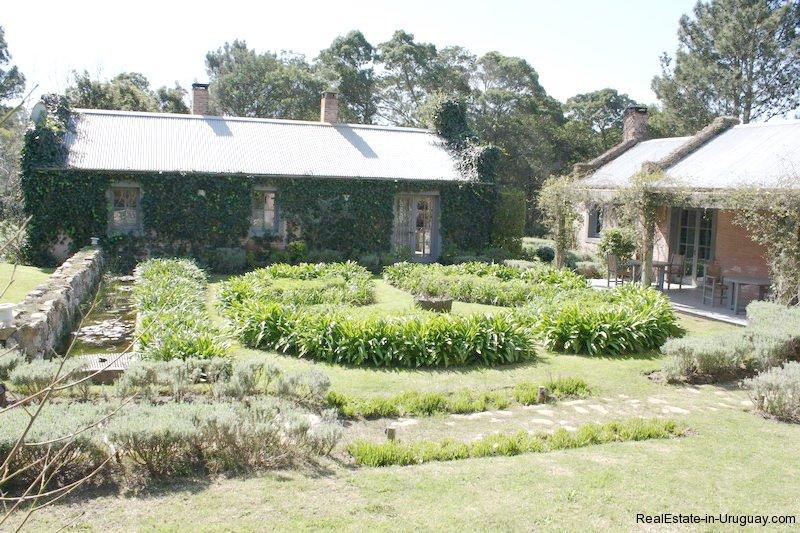 Backyard-of-Estancia-overlooking-Laguna-Blanca-in-Manantiales