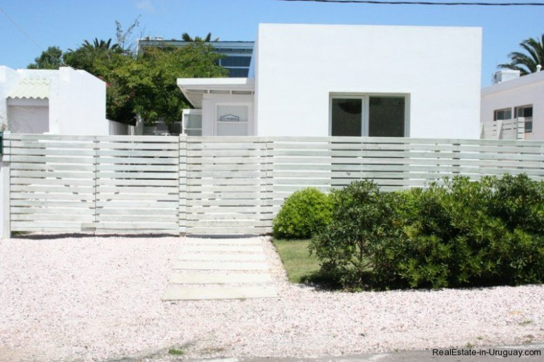 5601-Entrance-of-Remodeled-Beach-House-La-Barra