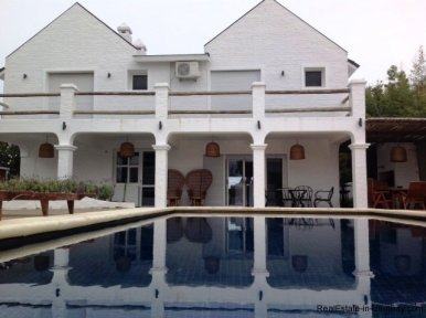 5615-Back-of-Large-Vacation-Home-in-La-Barra