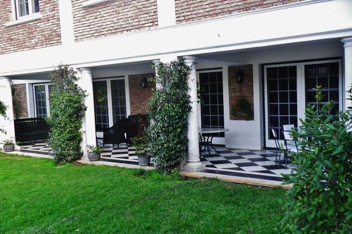 Back-of-Traditional-Villa-Carrasco-Montevideo
