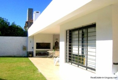 1277-Back-of-Modern-Cubic-Home-Carrasco-Montevideo