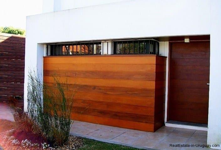 1277-Entrance-of-Modern-Cubic-Home-Carrasco-Montevideo