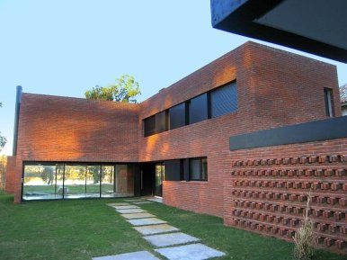 1338-Backyard-of-Modern-Home-in-Lagos-Montevideo