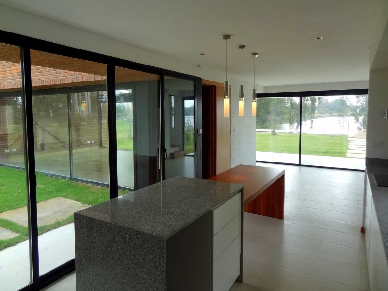 1338-Living-of-Modern-Home-in-Lagos-Montevideo