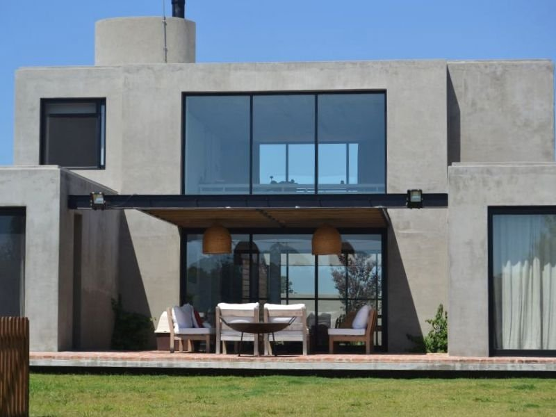 1413-Back-of-Lake-Home-in-Lagos-Montevideo