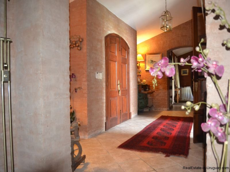 Inside-of-Farm-House-San-Luis-Montevideo