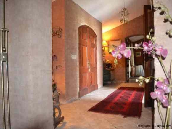 Inside-of-Farm-House-San-Luis-Montevideo
