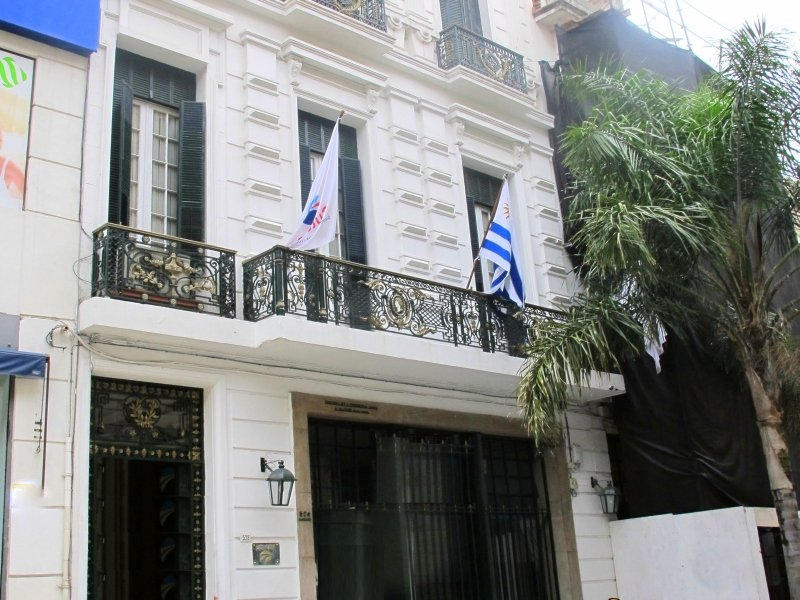 Front-of-Historic-Building-Old-Town-Montevideo