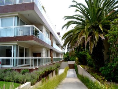 1433-Entrance-to-Apartment-in-Punta-Gorda-Montevideo