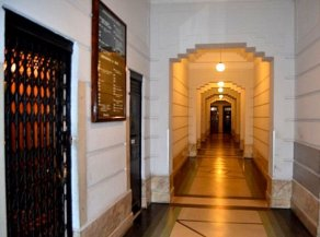 1534-Hallway-of-Apartment-in-Palacio-Piria-Montevideo