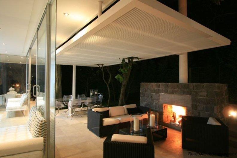 20005-Outdoor-Sitting-of-Modern-Villa-in-Tumbaco
