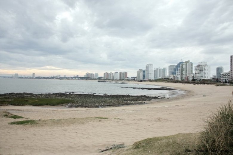 5656-Beach-in-front-of-Sea-View-Condo-Punta-del-Este