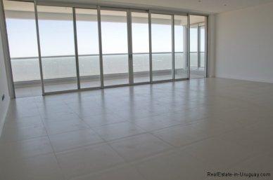 4985-Livingroom-of-Penthouse-Brava-Beach-3